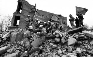 河南消防开展灭火救援和地震搜救演练