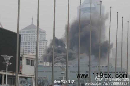 青岛百丽广场地下美食街起火