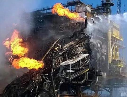 墨西哥一钻井平台突发大火4人死亡