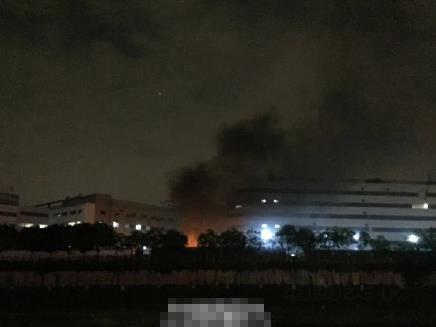 深圳富士康厂区发生火灾