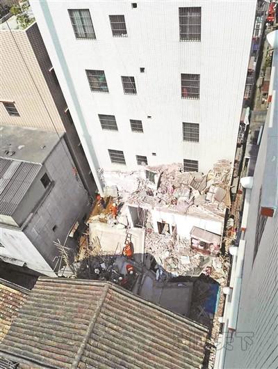 佛山自建房坍毁